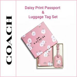 🆕️ 💯 Auth. Coach Daisy Print Passport & ID C3061